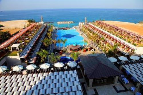 Cratos Premium Hotel Girne
