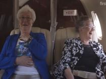 Hayatlarında ilk kez uçağa binen teyzeler