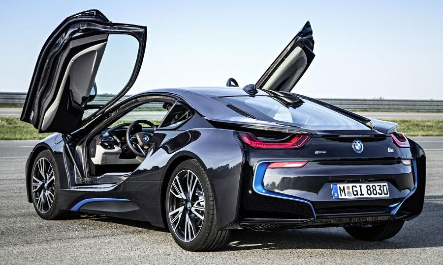 BMW-i8-Frankfurt-motor-debut-rear-3-4