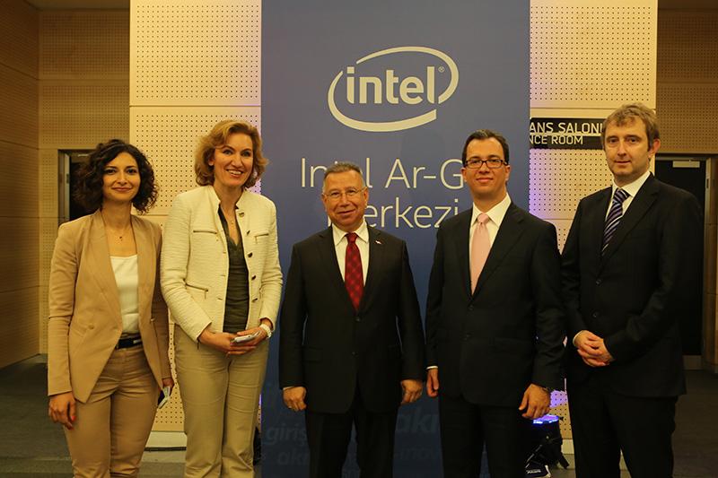 intel-yeni-ar-ge-merkezi-ile-turkiye-nin-gelecegine-yatirim-yapiyor