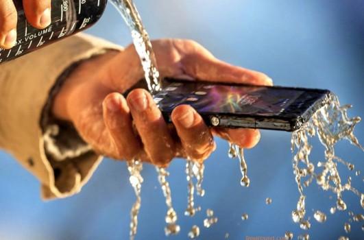 suya-dayaniklilik-artik-butce-dostu-telefonlarda-da-olacak