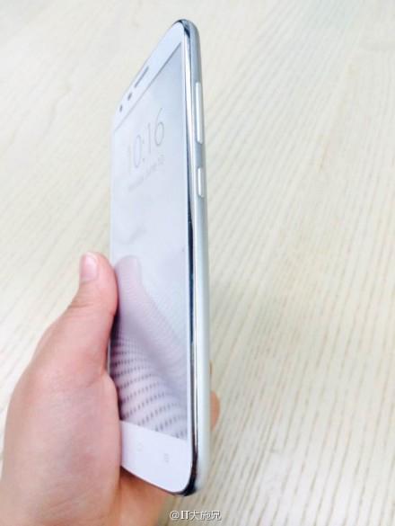 Huawei'nin yeni Telefonu Mulan'ın Görselleri İnternet'e Sızdı