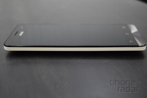 Telefon pek kalın bir görünüm sağlamıyor. Resim kaynağı: Phoneradar